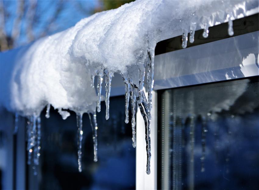 Watch-for-Winter-Window-Damage